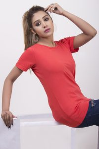 solid-tomato-red-round-neck-t-shirt-for-women-slim-fit